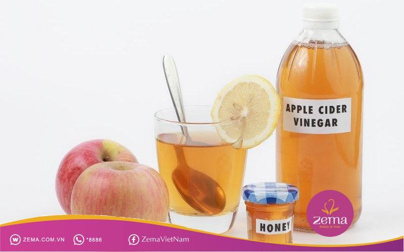 Giấm táo mix mật ong nên uống sau ăn trưa và tối