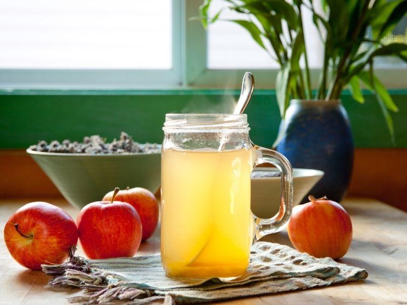 Khi dùng giấm táo không đúng lúc có thể làm hại đến dạ dày
