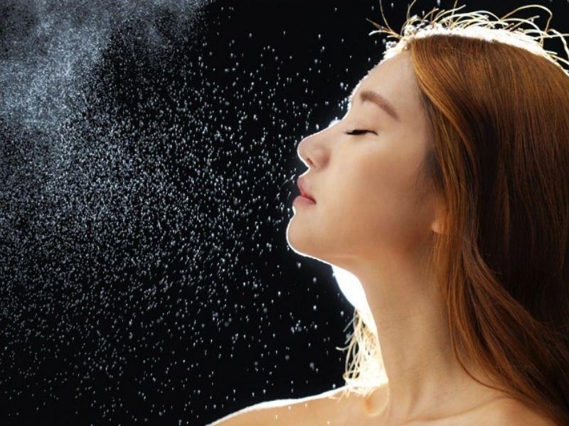 Làn da sẽ được bảo vệ tốt hơn khi dùng xịt khoáng