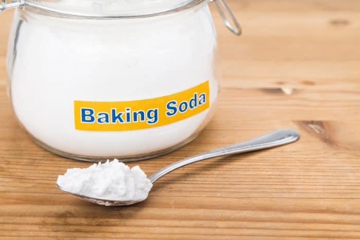 Baking soda hỗ trợ giúp da đầu được sạch sâu
