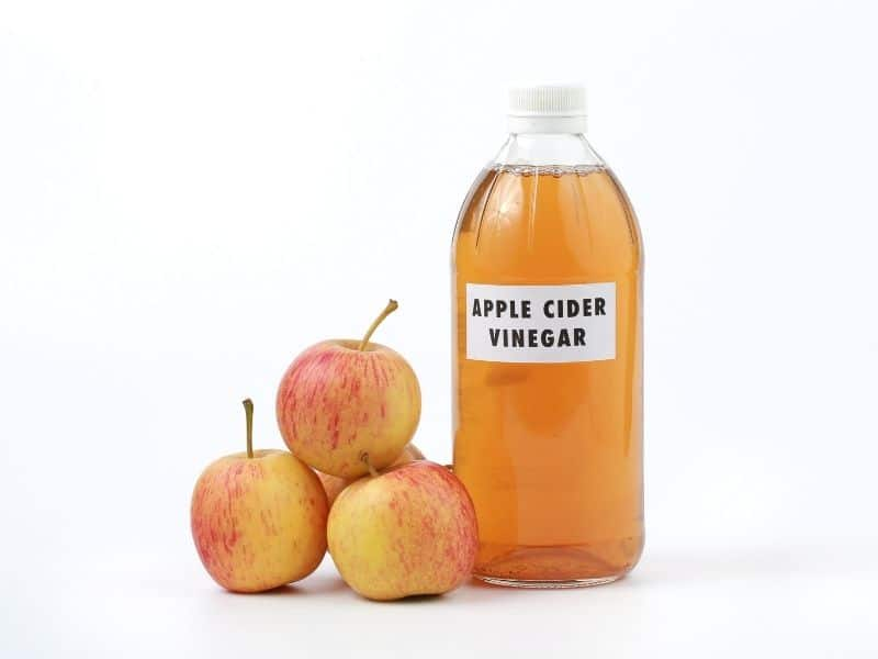 Giấm táo là nguyên liệu hữu dụng cho việc trị mụn đỏ