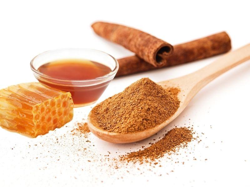 Mật ong pha quế là một bài thuốc hiệu quả