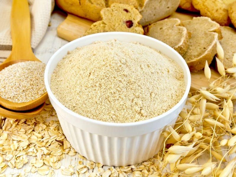 Cám gạo nên dùng với các nguyên liệu dạng lỏng sẽ tốt hơn