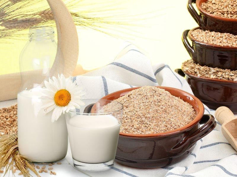 Sữa tươi pha với cám gạo đắp mặt sẽ cực kỳ sáng da