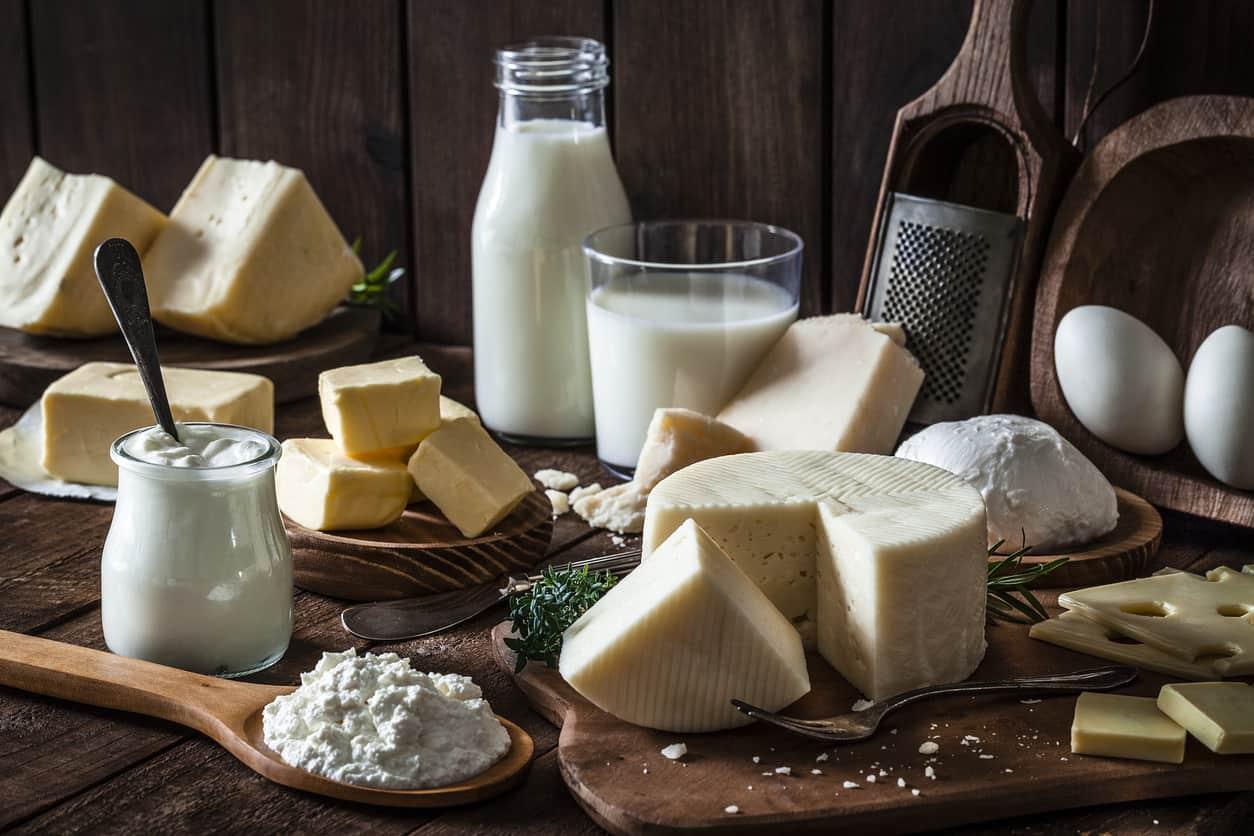 Kiêng thực phẩm từ sữa khi bị mụn