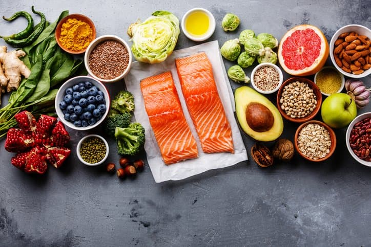 Tăng cường sử dụng thực phẩm tự nhiên khi bị mụn