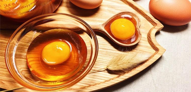 Lòng trắng trứng mang tới hiệu quả cho điều trị nổi mụn