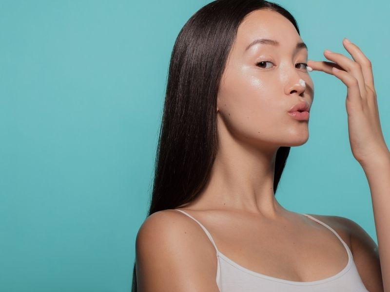 Hãy chú ý hơn đến việc chăm sóc da sau khi lấy nhân mụn