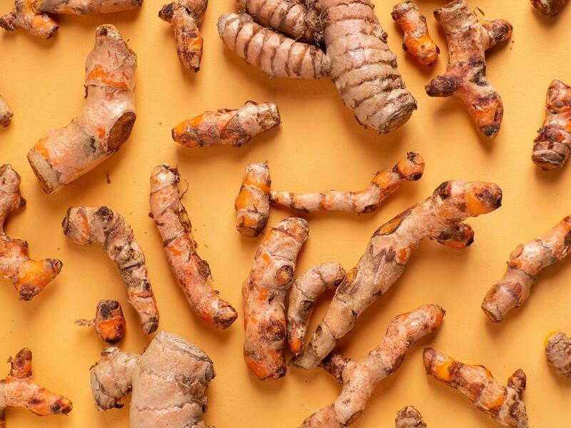 Cách trị mụn cho da nhạy cảm từ mật ong và nghệ vô cùng hiệu quả