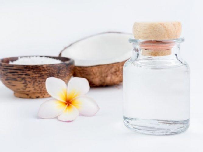 Tinh dầu thiên nhiên từ trái dừa