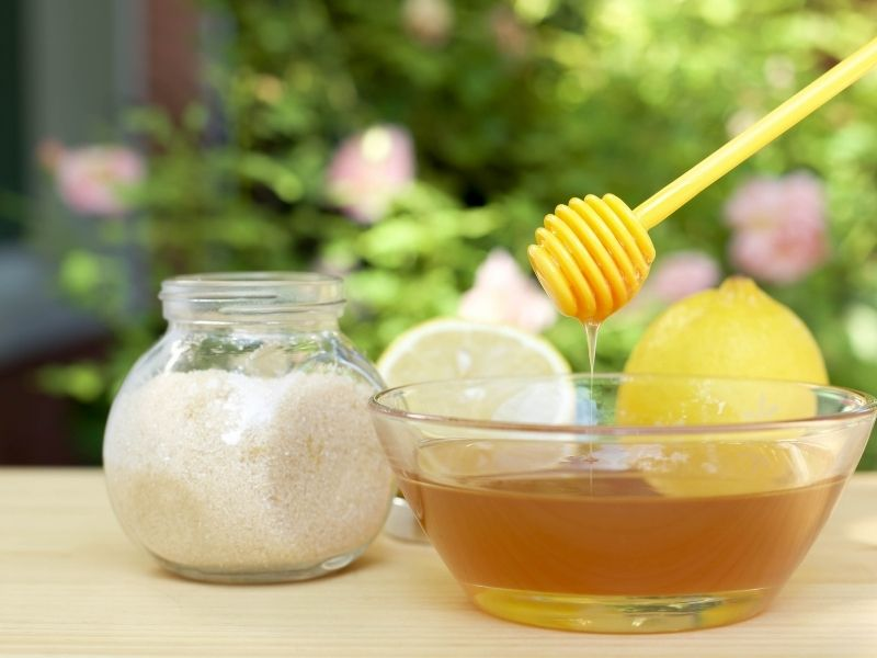 Dùng mật ong, đường và chanh để tẩy lông